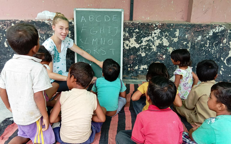 Anak Jalanan Juga Harus Mengeyam Pendidikan Berikut Ini Sekolah Gratis Untuk Mereka Peduly